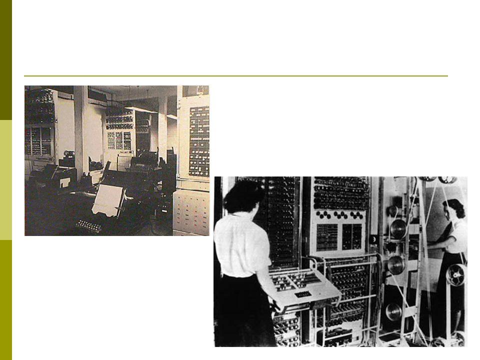 EDSAC Eletronic Delay Storage Automatic Calculator ou Calculadora Automática com Armazenamento por Retardo Eletrônico - 1949.