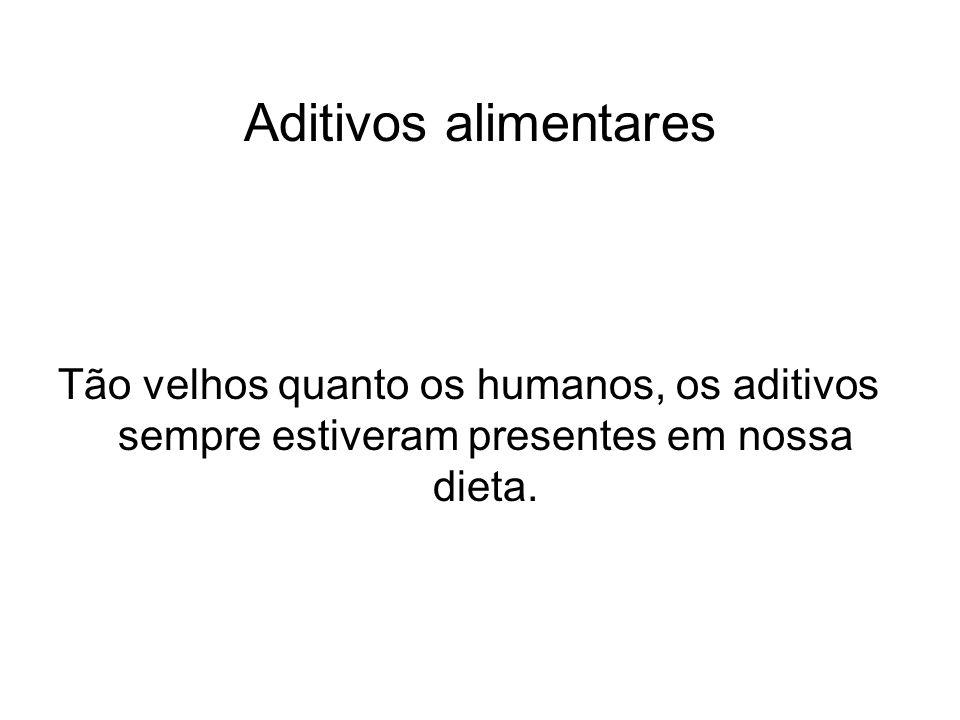 Aditivos alimentares Os corantes No Brasil a salsicha só vende se for colorida.