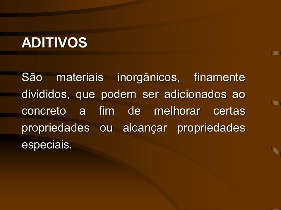 TRABALHABILIDADE DO CONCRETO A melhoria da trabalhabilidade do concreto obtém-se através do uso de uma maior quantidade de cimento por metro cúbico.