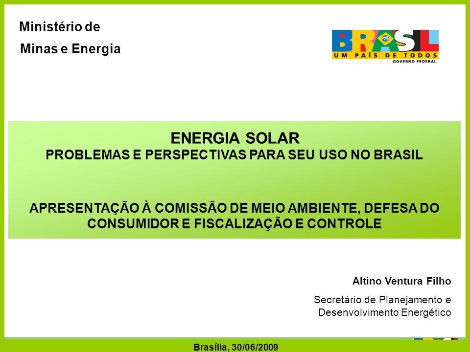 Secretaria de Planejamento e Desenvolvimento Energético - SPE Secretaria de Planejamento e Desenvolvimento Energético Ministério de Minas e Energia CONSUMO FINAL DE ENERGIA NO BRASIL ENERGIA (tep milhões) E ENERGIA ELÉTRICA (TWh) 3,6% ao ano Fonte: 2007 - BEN 2008; 2030 - PNE 2030/Cenário B1 (%) Crescimento do Consumo de Energia (%) 1980/20072,5 / ano 2000/20073,1 / ano (%) Crescimento do Consumo de Energia (%) 1980/20072,5 / ano 2000/20073,1 / ano Crescimento do Consumo de Energia Elétrica (%) 1980/20074,8 ano 2000/2007 3,5 ano Crescimento do Consumo de Energia Elétrica (%) 1980/20074,8 ano 2000/2007 3,5 ano Energia (tep milhões) Energia Elétrica (TWh) 3,6% ao ano Obs.