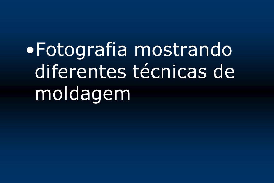 Fotografia mostrando diferentes técnicas de moldagem