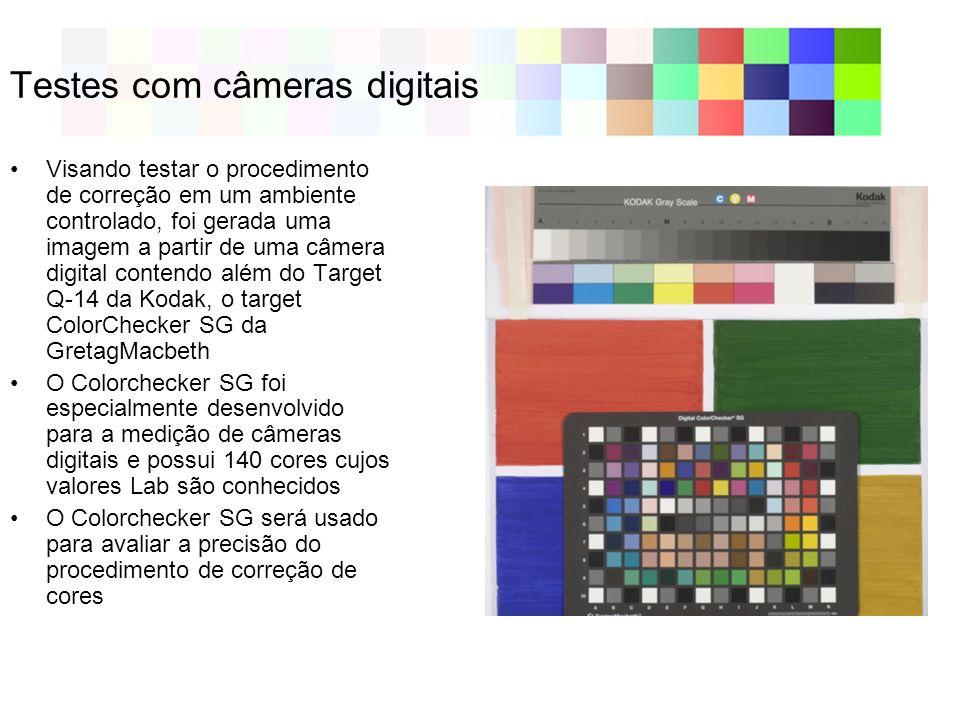 Testes com câmeras digitais Visando testar o procedimento de correção em um ambiente controlado, foi gerada uma imagem a partir de uma câmera digital contendo além do Target Q-14 da Kodak, o target ColorChecker SG da GretagMacbeth O Colorchecker SG foi especialmente desenvolvido para a medição de câmeras digitais e possui 140 cores cujos valores Lab são conhecidos O Colorchecker SG será usado para avaliar a precisão do procedimento de correção de cores