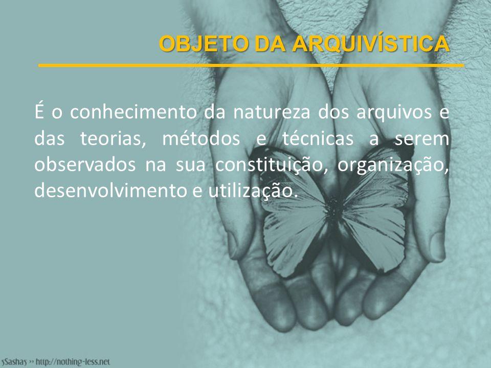 SISTEMA DE ARQUIVOS Conjunto de arquivos de uma mesma esfera governamental ou de uma mesma entidade, pública ou privada, que, independentemente da posição que ocupam nas respectivas estruturas administrativas, funcionam de modo integrado e articulado na consecução de objetivos técnicos comuns.