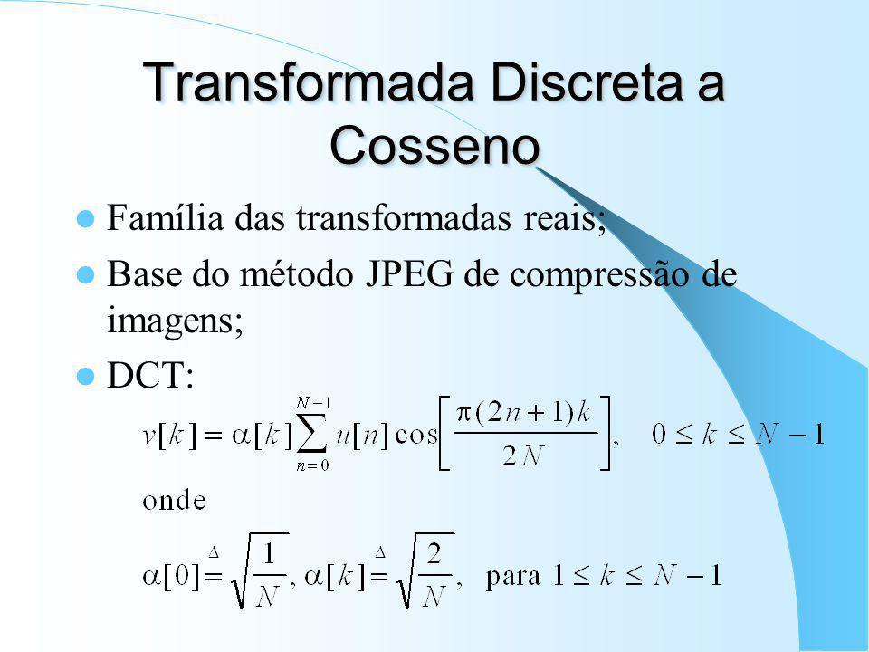 Transformada de Fourier Discrete-Time Fourier Transform (DTFT): Discrete Fourier Transform (DFT): – Assunção de que o trecho de sinal analisado é peri