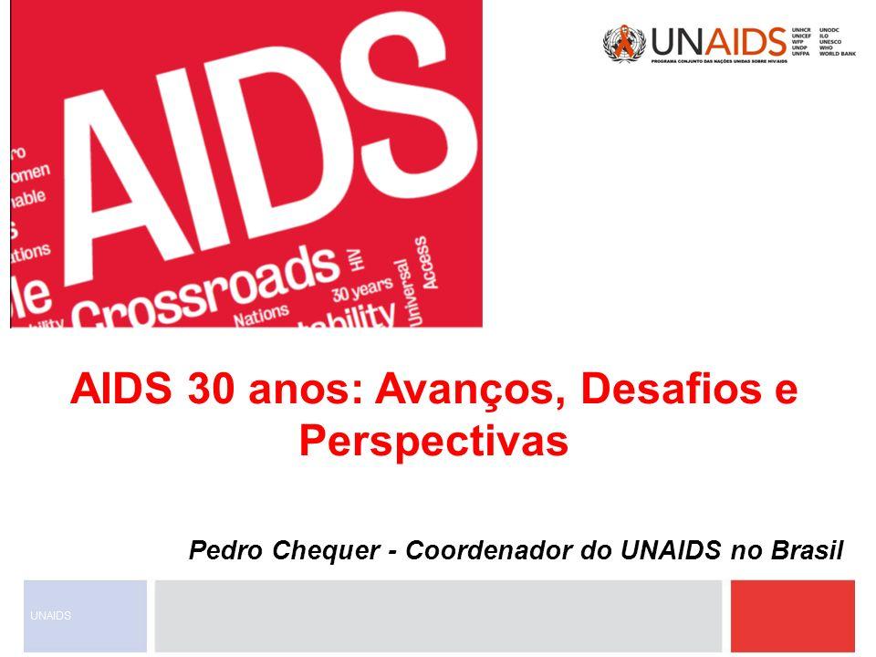 Pessoas vivendo com HIV 2007010203040506949596979899200087888990919293 Milhões 1980818283848586 50 45 40 35 30 25 20 15 10 5 0 30 anos de resposta à aids Primeiros casos de imunodeficiência identificados HIV identificado como a causa da aids Primeiro protocolo para a redução da transmissão vertical do HIV Disponibilizado o primeiro teste anti-HIV Tratamento Anti-retroviral Altamente Ativo OMS lança o Programa Global de Aids Fundo Global de Combate à Aids, Tuberculose e Malária US$10 bilhões para a aids em países em desenvolvimento Criação do UNAIDS Presidente Bush Anuncia o PEPFAR 3 milhões tomando TARV nos países em desenvolvimento Sessão Especial da Assembléia Geral da ONU sobre HIV/Aids - UNGASS 4 Serviços gratuitos de Atenção Única