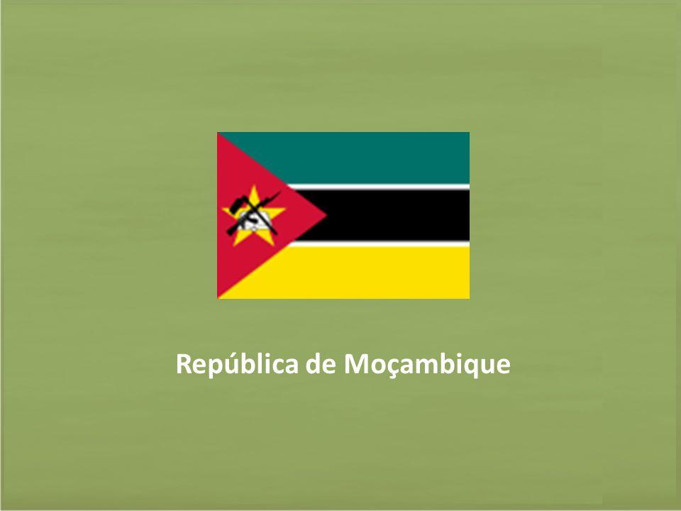 Moçambique – Informações Gerais Nome: República de Moçambique Presidente: Armando Emílio Guebuza Primeiro-Ministro: Aires Bonifacio Ali Sistema político: Democracia Multipartidária Área aproximada : 799.380 Km² População: 22.894.294 (dezembro 2010) Fonte: Banco Mundial (2011)