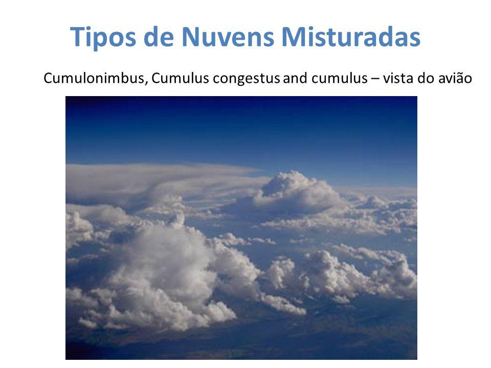 Tipos de Nuvens Misturadas Cumulonimbus, Cumulus congestus and cumulus – vista do avião