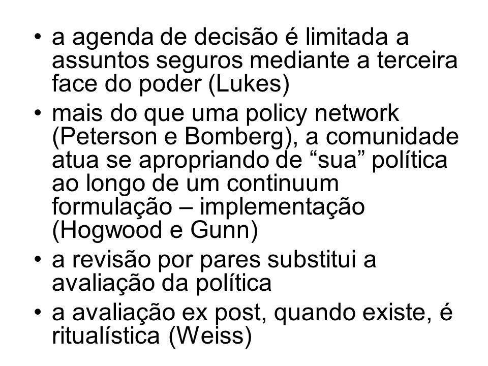 qualidade e liberdade acadêmica são vistos como balizamento suficientemente potente para dispensar um modelo racional de tomada de decisões (Ham e Hil