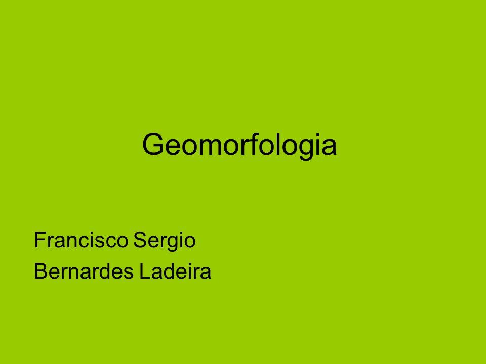 Definição Geomorfologia é a ciência que estuda as formas superficiais da Terra e as forças que a criaram Também estuda as feições submarinas e a superfície de outros planetas A unidade básica de análise é a vertente