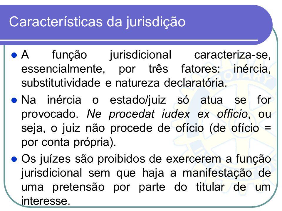 Segundo Carnelutti: jurisdição é uma função de busca da justa composição da lide. Já Alexandre Freitas Câmara: jurisdição função do Estado de atuar a