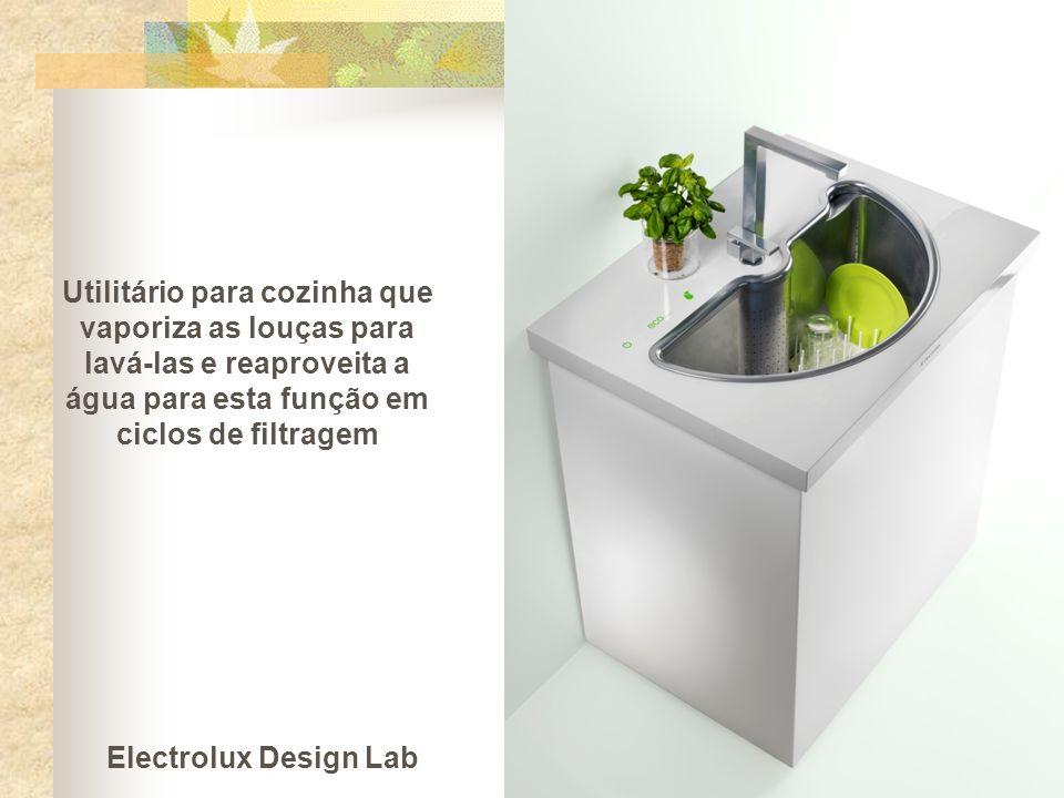 Utilitário para cozinha que vaporiza as louças para lavá-las e reaproveita a água para esta função em ciclos de filtragem Electrolux Design Lab