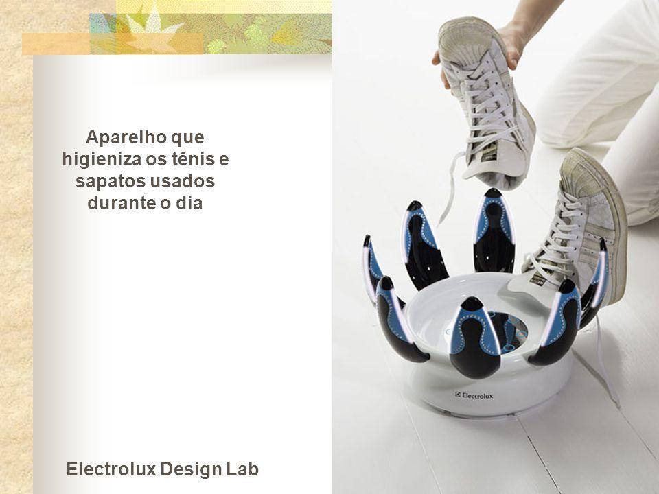 Aparelho que higieniza os tênis e sapatos usados durante o dia Electrolux Design Lab