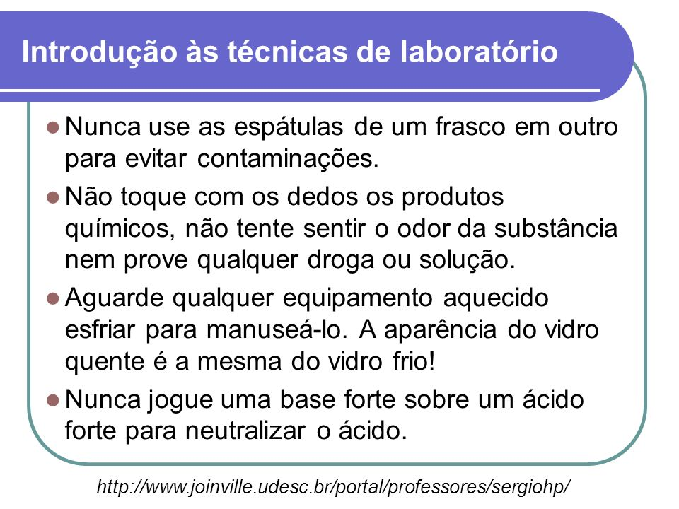 Identificação de produtos Todo produto obtido e todas as soluções preparadas no laboratório devem ter o frasco identificado com os dados mostrados no rótulo.