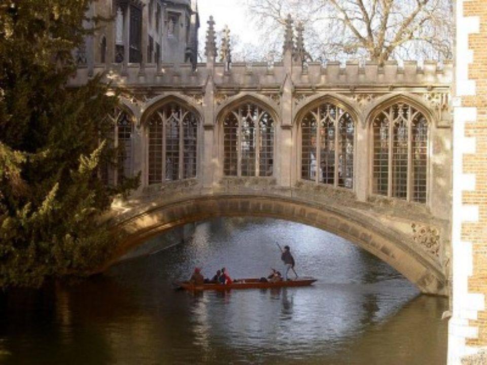 PONTE DOS SUSPIROS Cambridge Inglaterra Esta ponte pertence ao Colégio St. John da Universidade de Cambridge. Construida em 1831 atravessa a Ribeira C