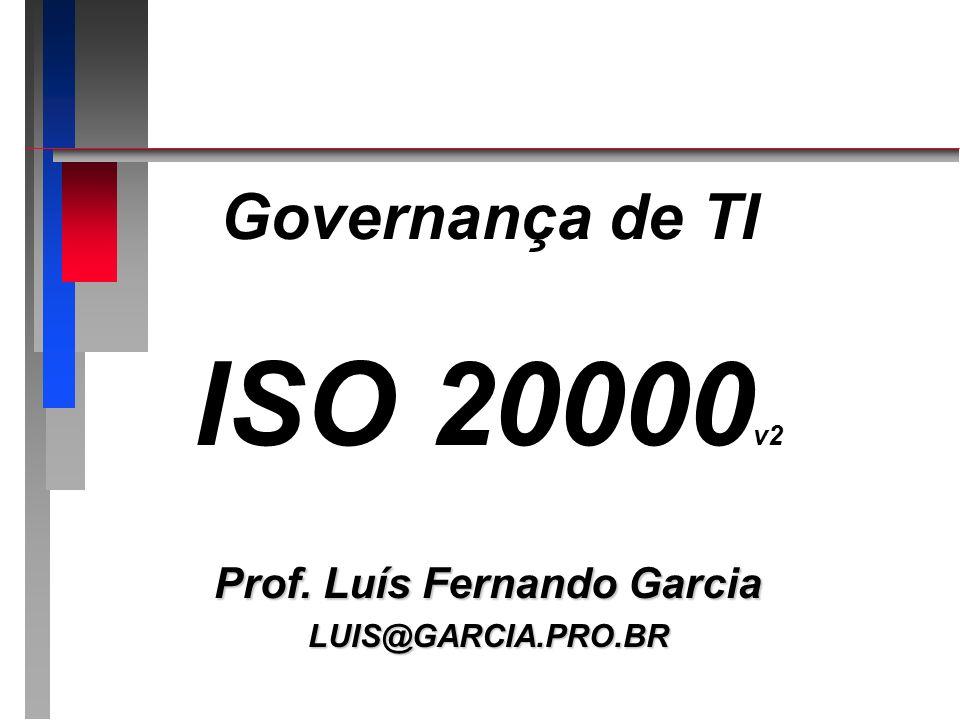 ISO 20000 - estrutura ISO 20000 - estrutura n Parte 1 – Especificação Especificação formal da norma / requisitos para o gerenciamento de serviçosEspecificação formal da norma / requisitos para o gerenciamento de serviços O QUE deve ser considerado na implantação do gerenciamento de serviçosO QUE deve ser considerado na implantação do gerenciamento de serviços n Parte 2 – Código de Prática Conjunto de diretrizes baseadas na experiência do mercado visando:Conjunto de diretrizes baseadas na experiência do mercado visando: –Planejamento de melhoria de serviços –Auditorias na norma
