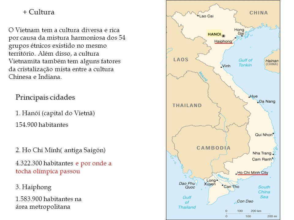 O Vietnam tem a cultura diversa e rica por causa da mistura harmoniosa dos 54 grupos étnicos existido no mesmo território. Além disso, a cultura Vietn
