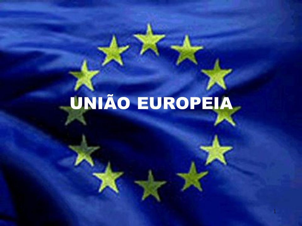 O círculo de estrelas douradas representa: -a-a solidariedade - a harmonia entre os povos da Europa.