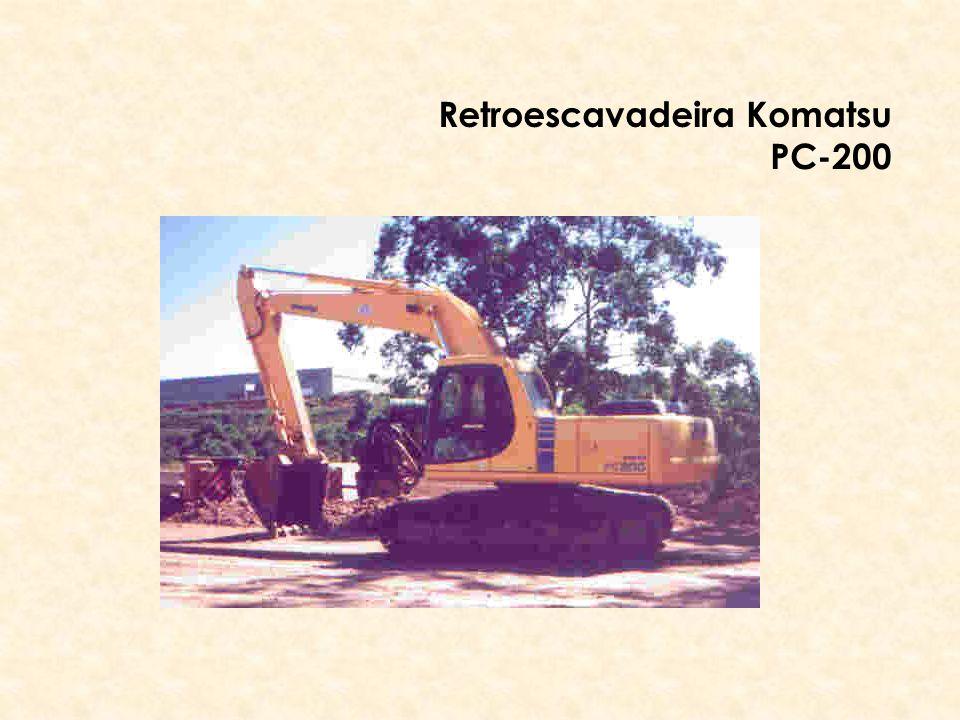 Retroescavadeira Komatsu PC-200