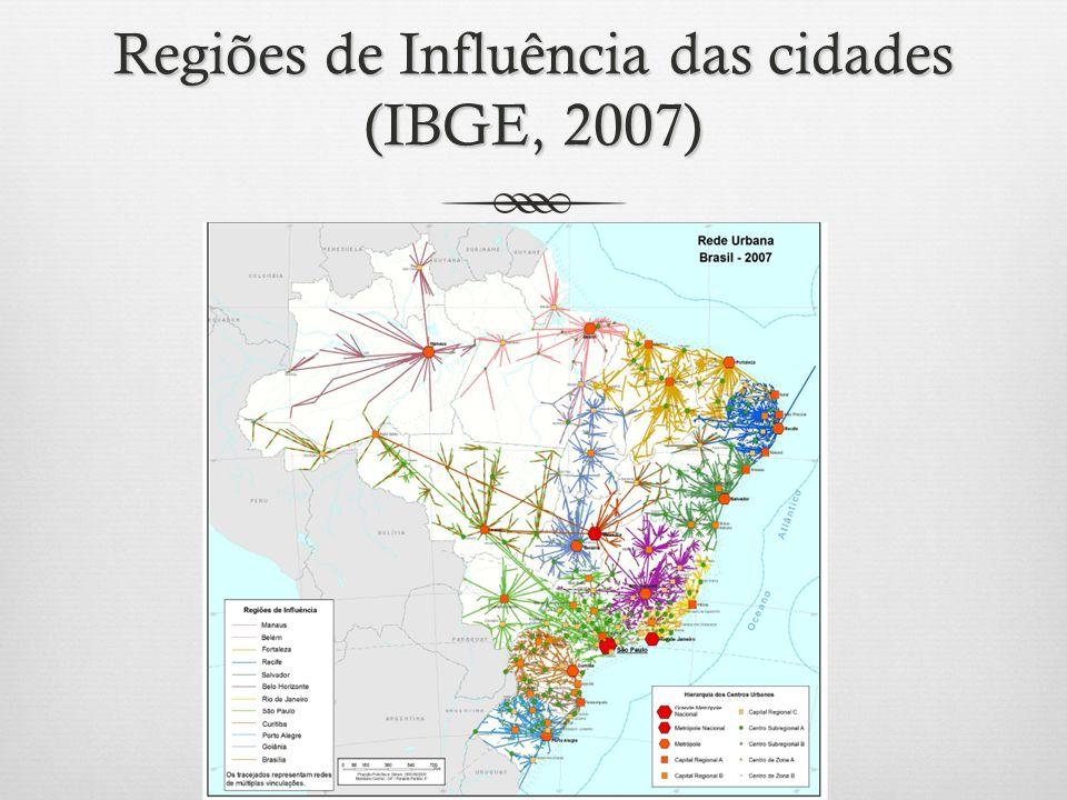 A variedade de situações A urbanização amazônica comporta grande variedade de situações no que toca ao crescimento, tamanho e estrutura de suas cidades: Metrópoles regionais (Manaus e Belém) Centros regionais que convivem com cidades muito pequenas Company towns (exs: Monte Dourado, Carajás, Vila de Tucuruí, no Pará) Cidades gêmeas em fronteiras (ver mapa a seguir)