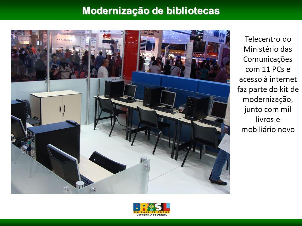 Telecentro do Ministério das Comunicações com 11 PCs e acesso à internet faz parte do kit de modernização, junto com mil livros e mobiliário novo