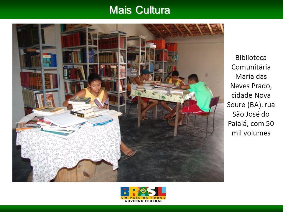Biblioteca Comunitária Maria das Neves Prado, cidade Nova Soure (BA), rua São José do Paiaiá, com 50 mil volumes