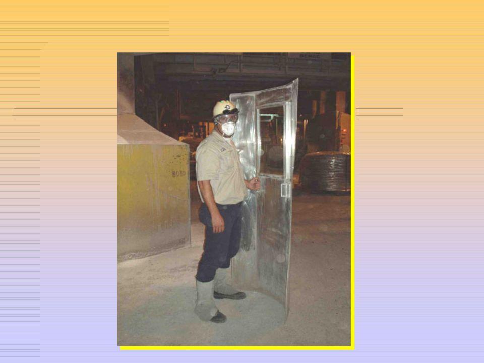 EPC – EQUIPAMENTO DE PROTEÇÃO COLETIVA Equipamento instalados no ambiente de trabalho para proteger os trabalhadores dos riscos inerentes aos processo
