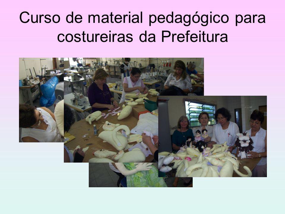 Curso de material pedagógico para costureiras da Prefeitura