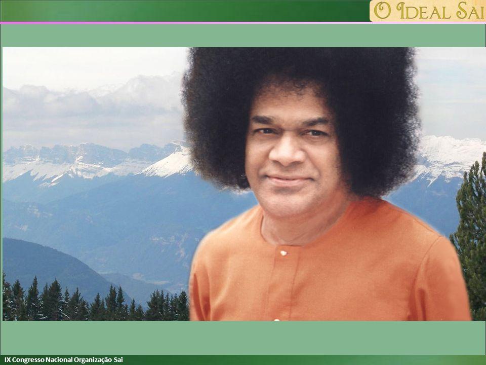 No mar da vida hoje você está e sua alma está explodindo porque você me busca, você me chama, você me deseja Om Sai Ram No mar da vida hoje você está com a barca do Nome, você virá enquanto você canta e ri e retorna Om Sai Ram No mar da vida Eu estou agora e só em Você eu tenho o meu amor isso me ilumina, me dá paz Om Sai Ram E mesmo que acreditasse que eu faço e eu sou nada é meu e ninguém eu sou Só Você existe, a Sua verdade Om Sai Ram En el mar de la vida hoy estás y tu alma se siente estallar pues me busca me llama y me anhela Om Sai Ram En el mar de la vida hoy estás con la barca del nombre llegarás mientras cantas y ríes y regresas Om Sai Ram En el mar de la vida hoy estoy y tan solo en ti tengo mi amor y eso me ilumina, me da paz Om Sai Ram Y aunque crea que hago y que soy nada es mío y nadie soy yo sólo Tú existes, tu verdad Om Sai Ram