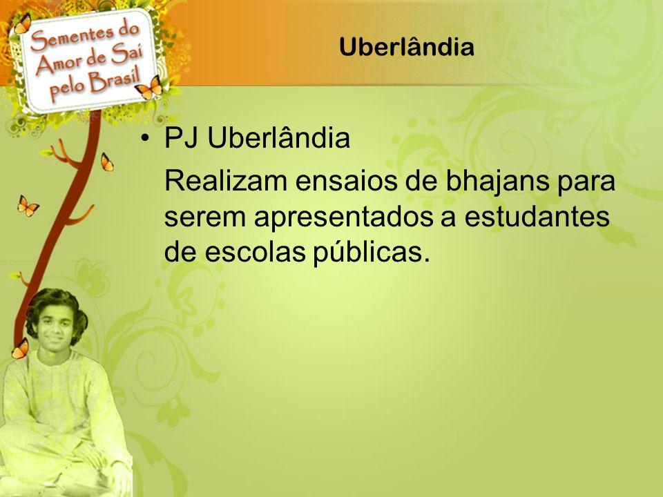 Uberlândia PJ Uberlândia Realizam ensaios de bhajans para serem apresentados a estudantes de escolas públicas.