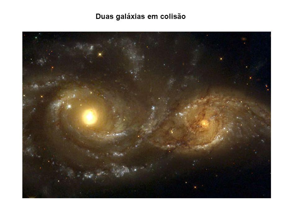 Duas galáxias em colisão