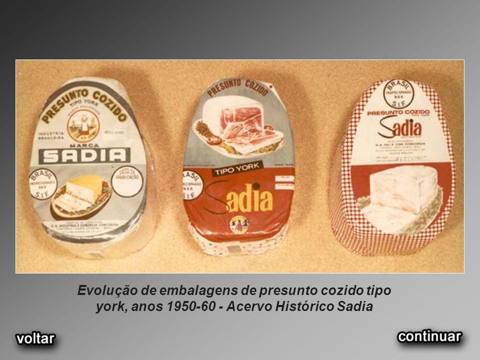 Evolução de embalagens de presunto cozido tipo york, anos 1950-60 - Acervo Histórico Sadia