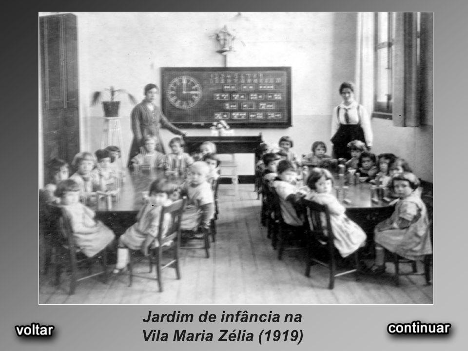 Jardim de infância na Vila Maria Zélia (1919)