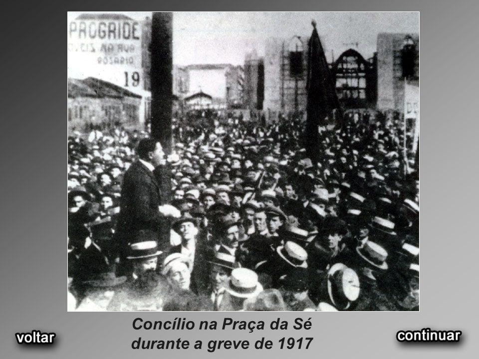 Concílio na Praça da Sé durante a greve de 1917