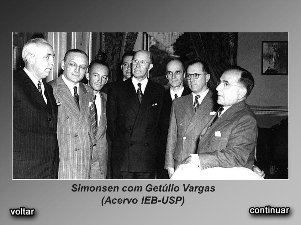 Simonsen com Getúlio Vargas (Acervo IEB-USP)