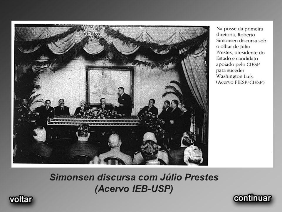 Simonsen discursa com Júlio Prestes (Acervo IEB-USP)