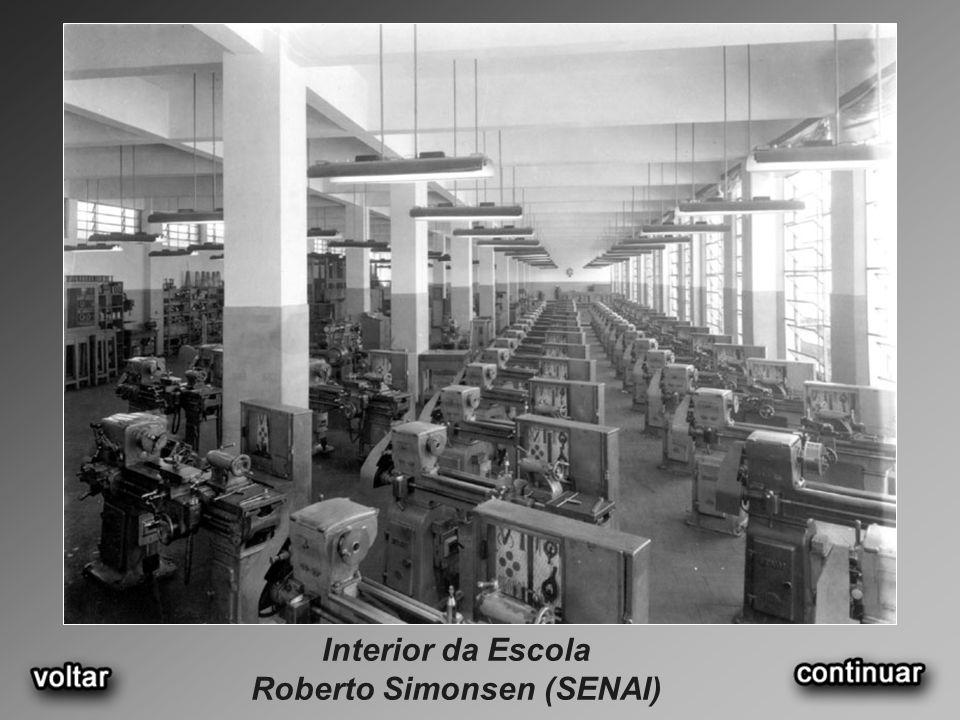 Interior da Escola Roberto Simonsen (SENAI)