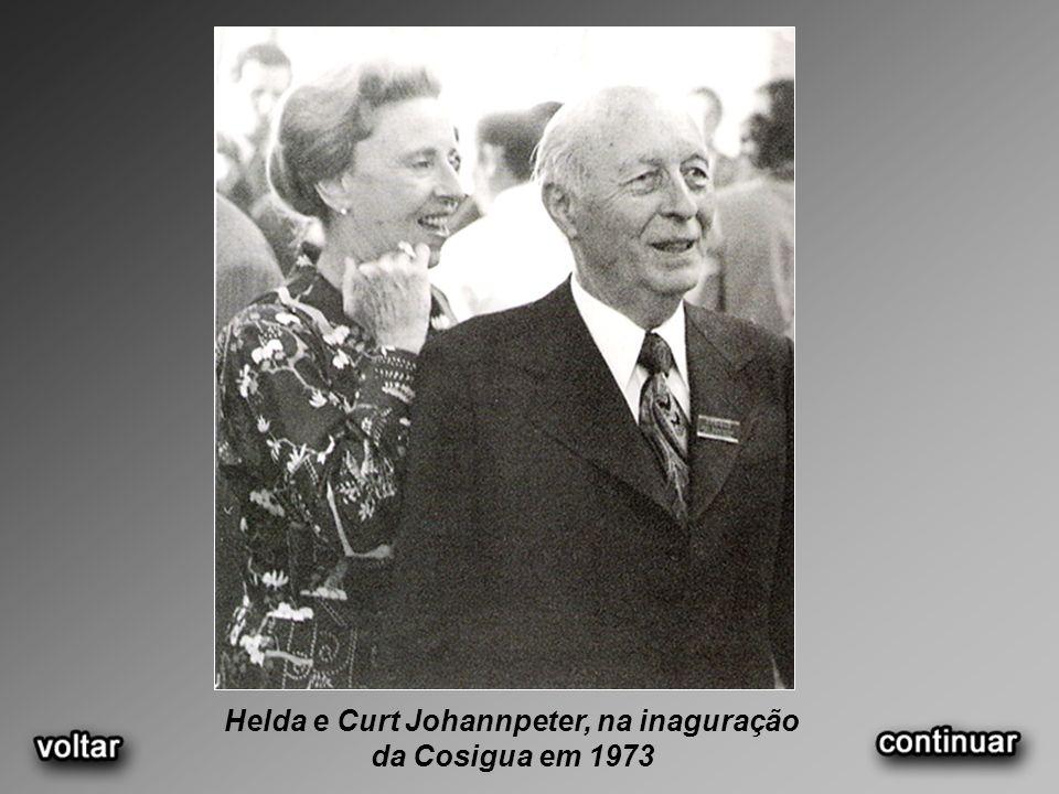 Helda e Curt Johannpeter, na inaguração da Cosigua em 1973