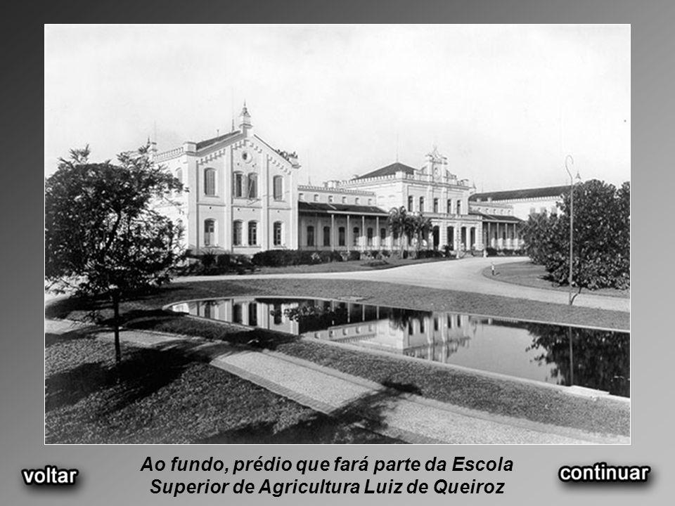 Ao fundo, prédio que fará parte da Escola Superior de Agricultura Luiz de Queiroz