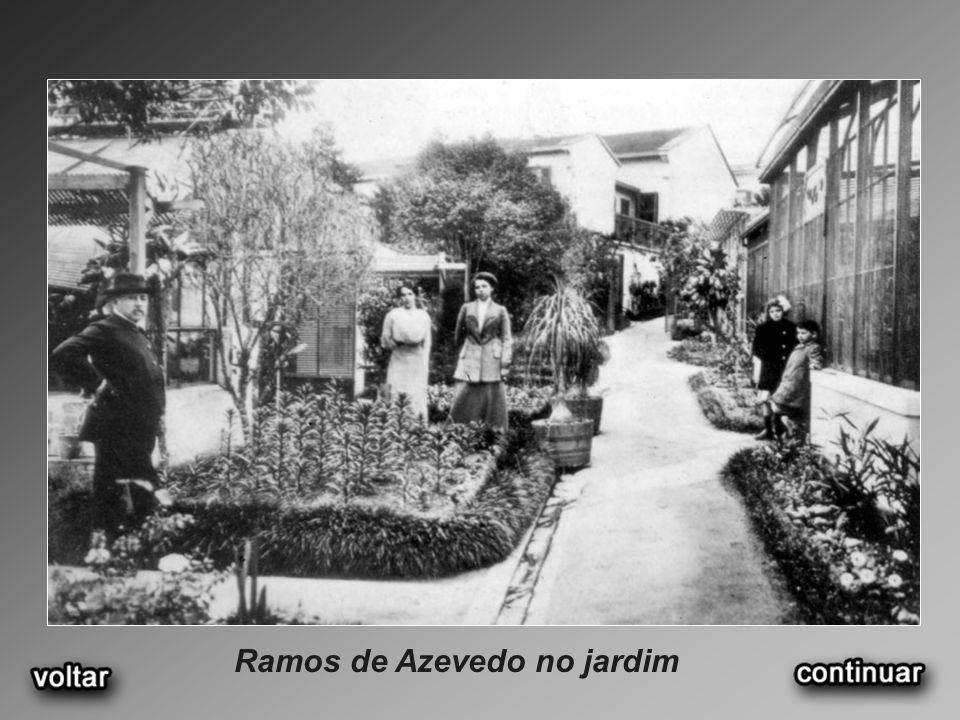 Ramos de Azevedo no escritório (1935)