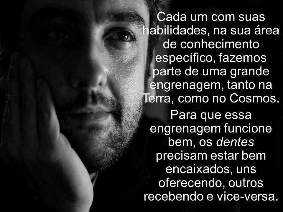 O texto do educador Paulo Freire mostra, com bom humor e profundidade, que não há saber maior ou saber menor, apenas saberes diferentes. Todos somos i