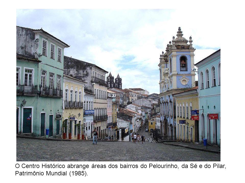 O Centro Histórico abrange áreas dos bairros do Pelourinho, da Sé e do Pilar, Patrimônio Mundial (1985).