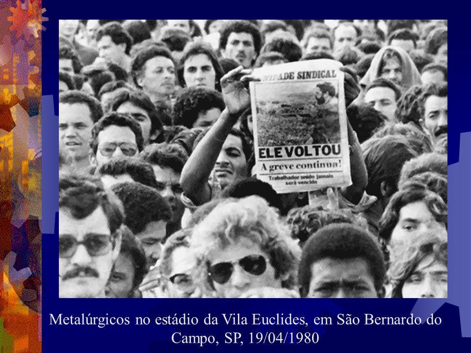 No dia 27 de junho de 1979, Figueiredo assina a