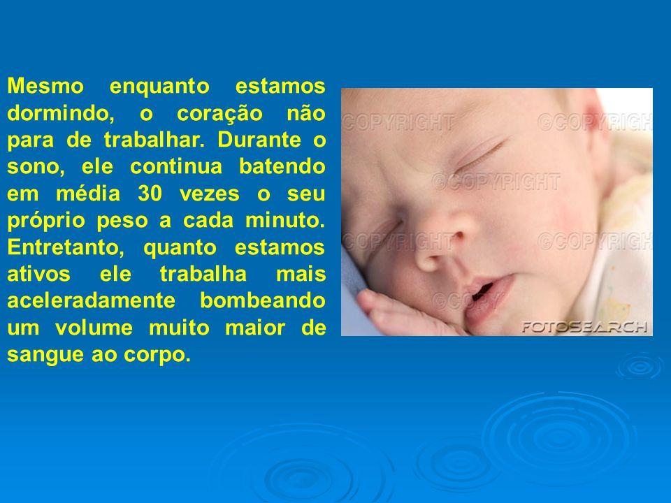 COMPLEXIDADE DO SER HUMANO Existem 26 bilhões de células num recém-nascido e 50 trilhões num adulto.