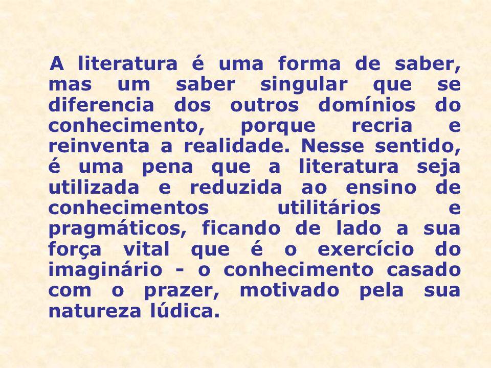 Uma concepção estreita da literatura, que a desliga do mundo no qual ela vive, impôs-se no ensino, na crítica e mesmo em muitos escritores.