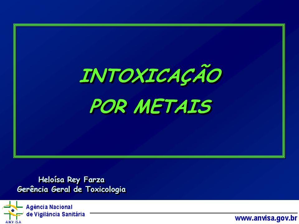 GENERALIDADES SOBRE OS METAIS 80 dos 105 elementos da Tabela Periódica são metais 80 dos 105 elementos da Tabela Periódica são metais > 30 deles são tóxicos para os humanos > 30 deles são tóxicos para os humanos metais pesados (cerca de 20) metais pesados (cerca de 20) metais leves (Al, Be) metais leves (Al, Be) metalóides: formam ânions e cátions (As, Se) metalóides: formam ânions e cátions (As, Se) sua toxicidade é conhecida desde a Antigüidade sua toxicidade é conhecida desde a Antigüidade raramente interferem nos sistemas biológicos quando estão em sua forma elementar (exceção = Hg o ) raramente interferem nos sistemas biológicos quando estão em sua forma elementar (exceção = Hg o ) alguns deles são essenciais em doses baixas, e tóxicos em doses altas alguns deles são essenciais em doses baixas, e tóxicos em doses altas