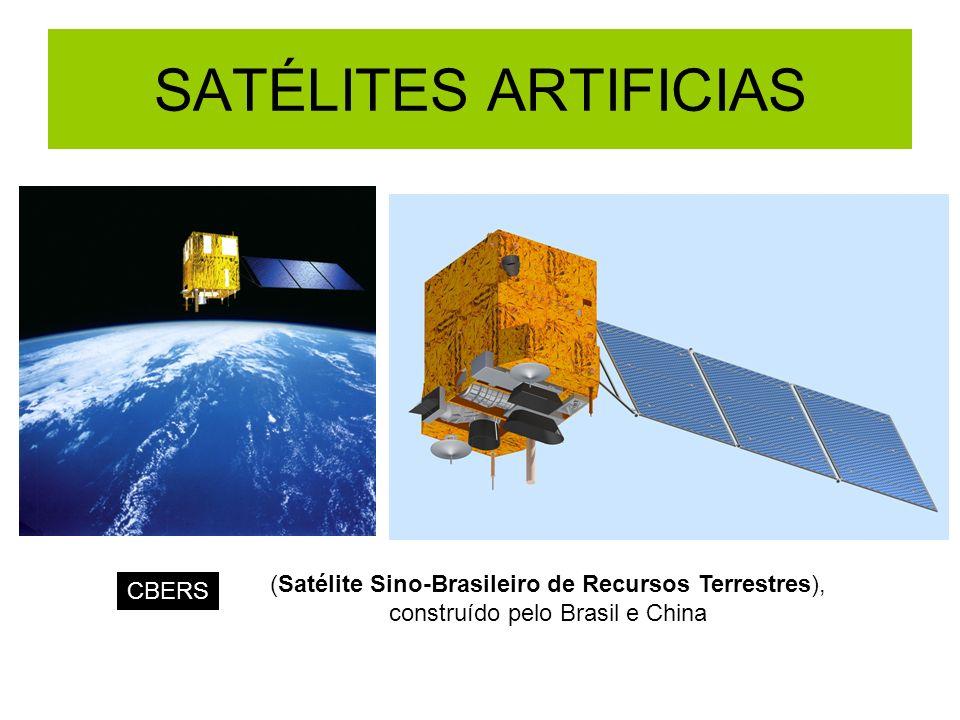 QUESTÃO: É possível colocar um satélite geo-estacionário em órbita num plano que não seja equatorial.