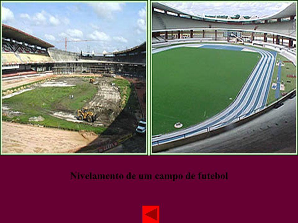 Nivelamento de um campo de futebol