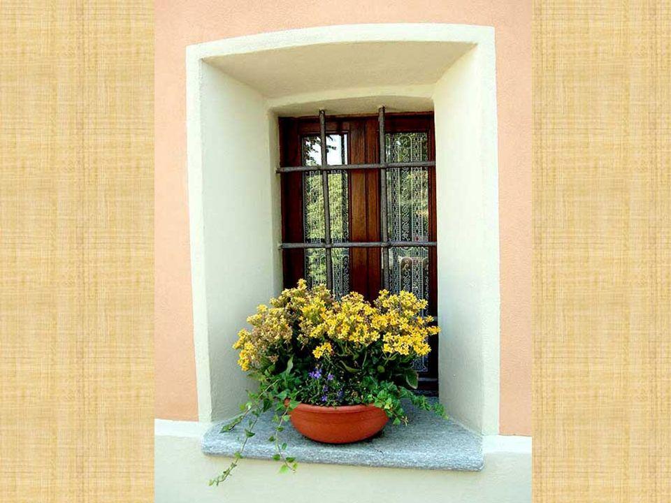 Aprite le finestre al nuovo sole È primavera festa dell`amor. Abram as janelas ao novo sol É primavera festa do amor!.
