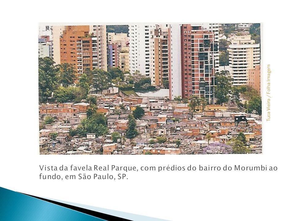 Colocar foto - favela x prédios de luxo Tuca Vieira / Folha Imagem