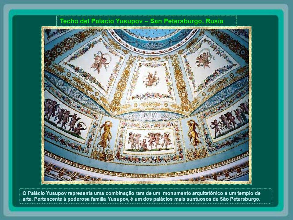 Bóveda del Palacio de Topkai - Estambul - Turquia Por quatro séculos, o Palácio de Topkai, construído em 1453, foi a residência dos Sultãos Otomanos Turcos, que lá viveram até o século XIX.